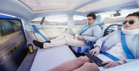 56% граждан России хотелибы пользоваться беспилотными автомобилями