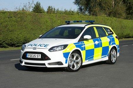 Английских полицейских словили назаправке вредным топливом