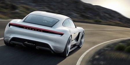 «Лошадок» и3,5 секунды до«сотни»— раскрыты характеристики электромобиля Порш Taycan