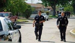 В США офицер полиции выпустил 15 пуль в лобовое стекло