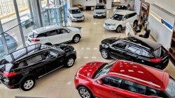 В России продают места в очередях за новыми авто
